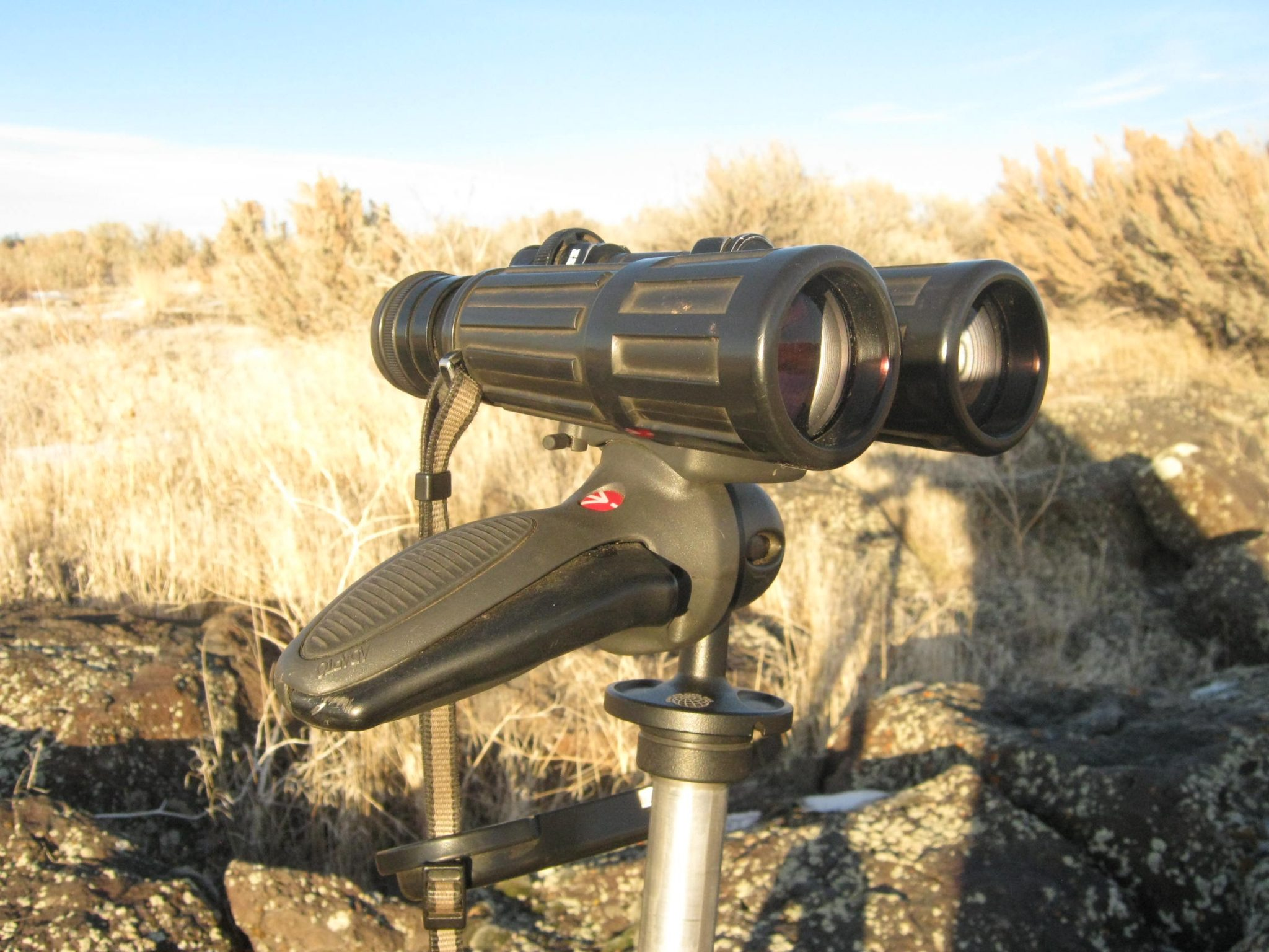 smooth adjustability ruggedness and lightweight defines the manfrotto 324rc2