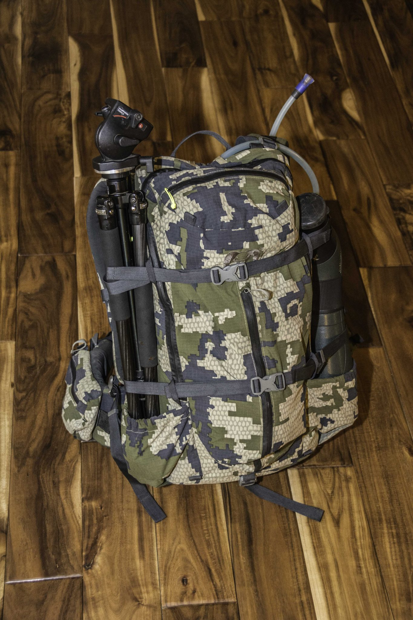 A Season with an Icon - KUIU\'s Icon 1850 Pack System - Rokslide