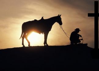 cowboy-kneeling-at-cross-clip-art.png