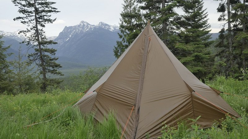 This shelter is a simple four-sided pyramid constructed of a proprietary fabric that is similar to silnylon but is claimed to be stronger. & Review: Floorless Pyramid Shootout - Rokslide